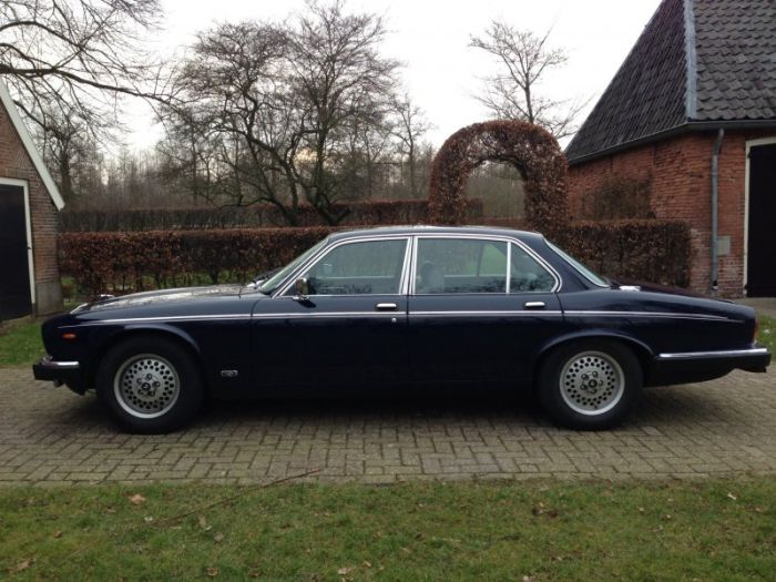 DAIMLER DOUBLE SIX 1992